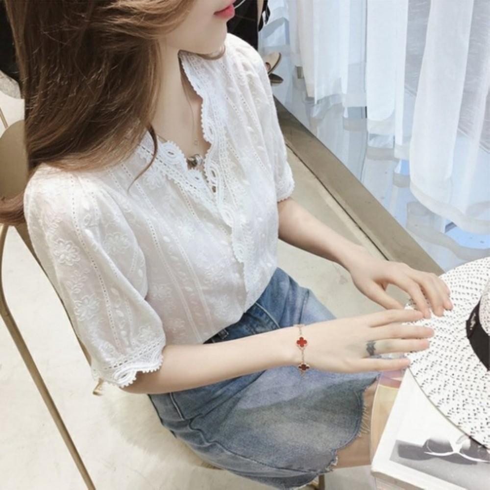布蕾絲襯衫 【C5080】 短袖 韓 蕾絲 白襯衫 女襯衫 韓系 V領 花邊 蕾絲襯衫 封面照片