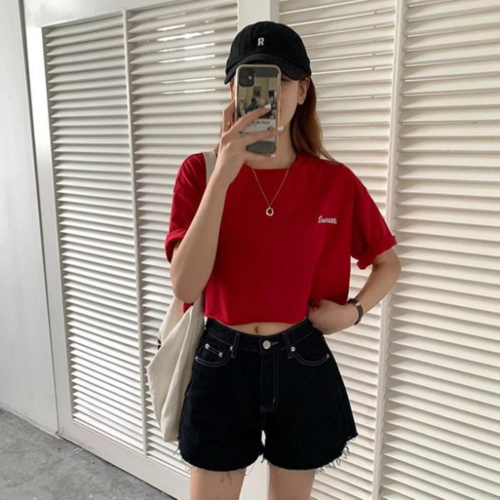 實拍 短款刺繡散口卷邊短袖T恤 【C9275】女韓系 寬鬆上衣 封面照片