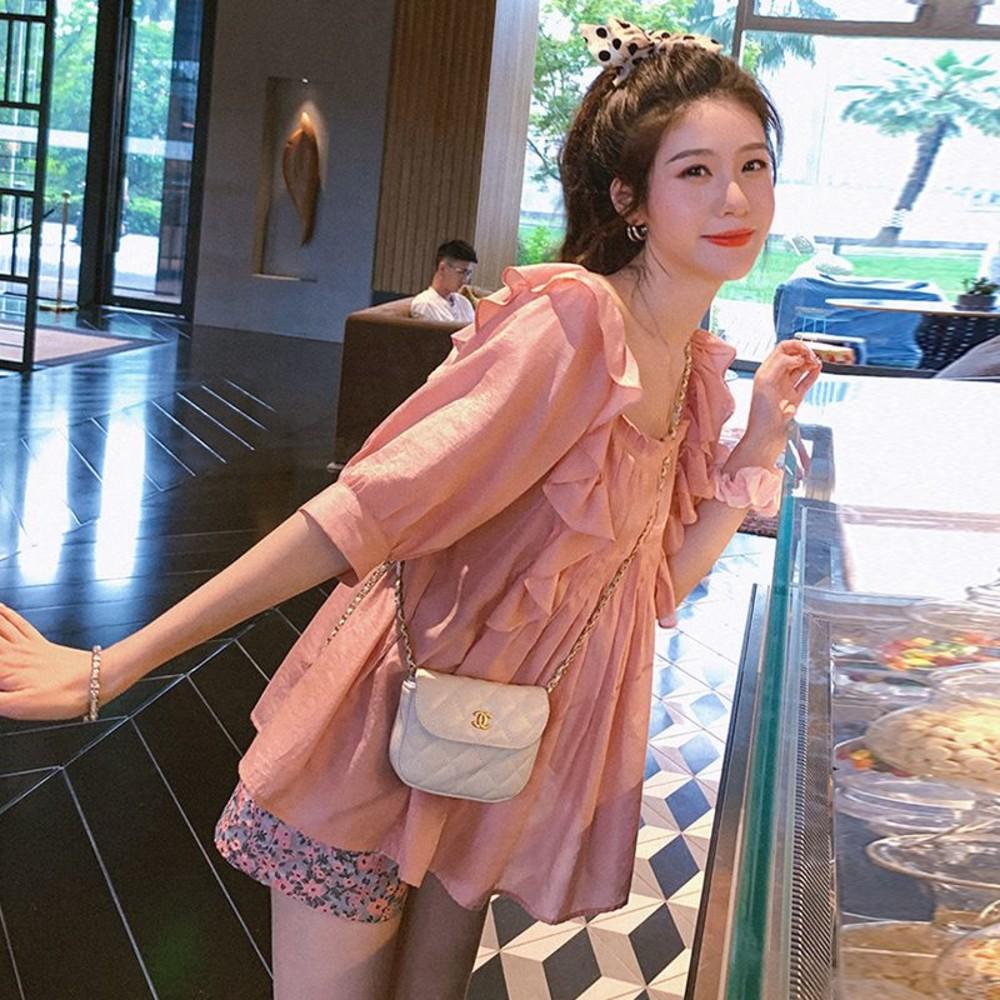 CP6327-韓系 波浪 荷葉娃娃衫【CP6327】 方領 襯衫 中袖 純色  五分袖 上衣 碎花  只售上衣