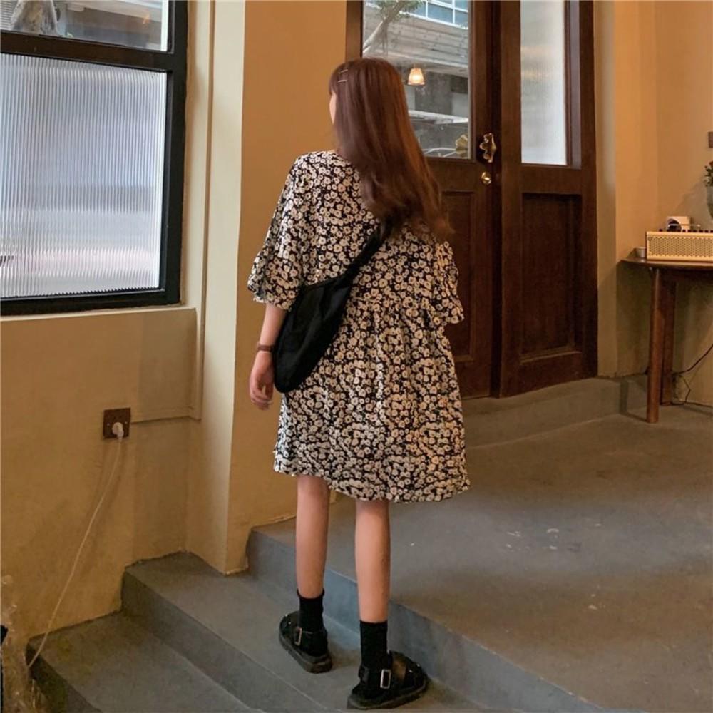 韓系 法式 碎花 喇叭袖 連身裙【D2636】V領 中袖 雪紡 寬鬆 洋裝 雪紡裙