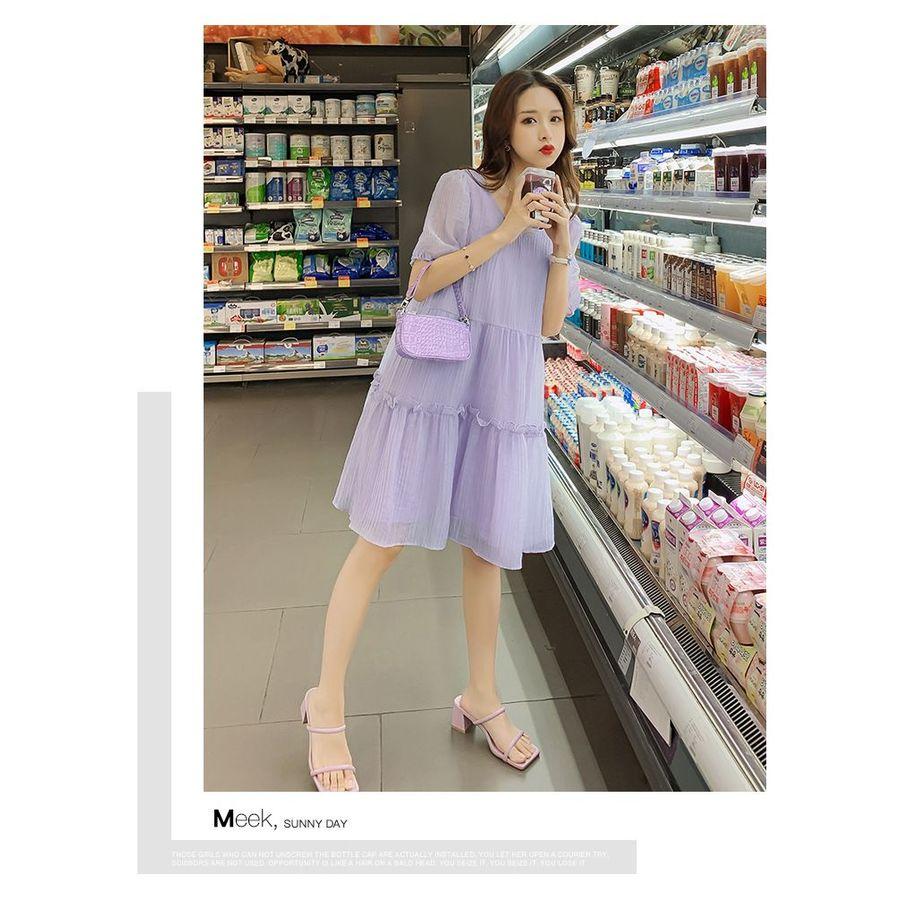 實拍 優雅 坑條 【D2962】百褶 V領 浪漫 洋裝 連身裙