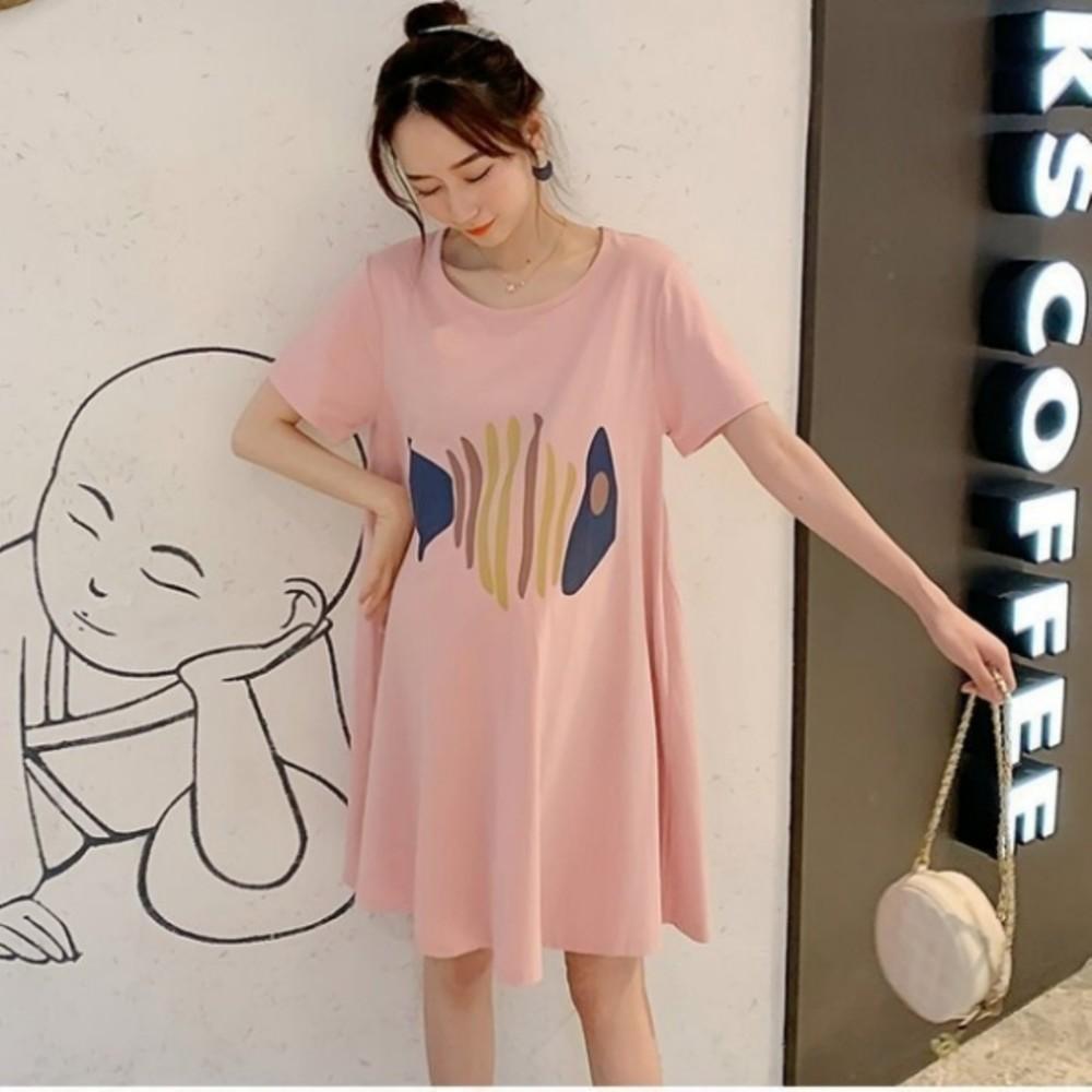 印花傘狀洋裝 【D3366】 質感 童趣 魚骨 印花 傘狀 短袖 親膚 洋裝 孕婦裝