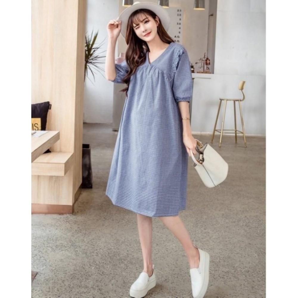 寬鬆格子V領五分袖洋裝【D7930】 幸福密碼 孕婦裝 修飾手臂洋裝