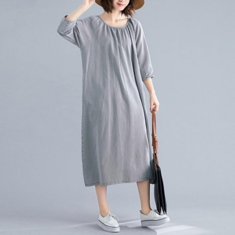 D8500-文藝洋裝【D8500】 七分袖 細格紋 文藝 長袖 寬鬆 洋裝 孕婦裝 長裙 長洋裝