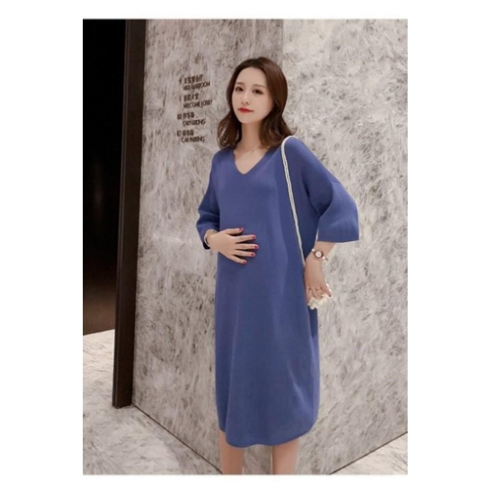 韓系純色中袖洋裝 【D8501】 落肩 V領 七分袖 冰絲 針織 親膚 洋裝 連肩袖 孕婦裝