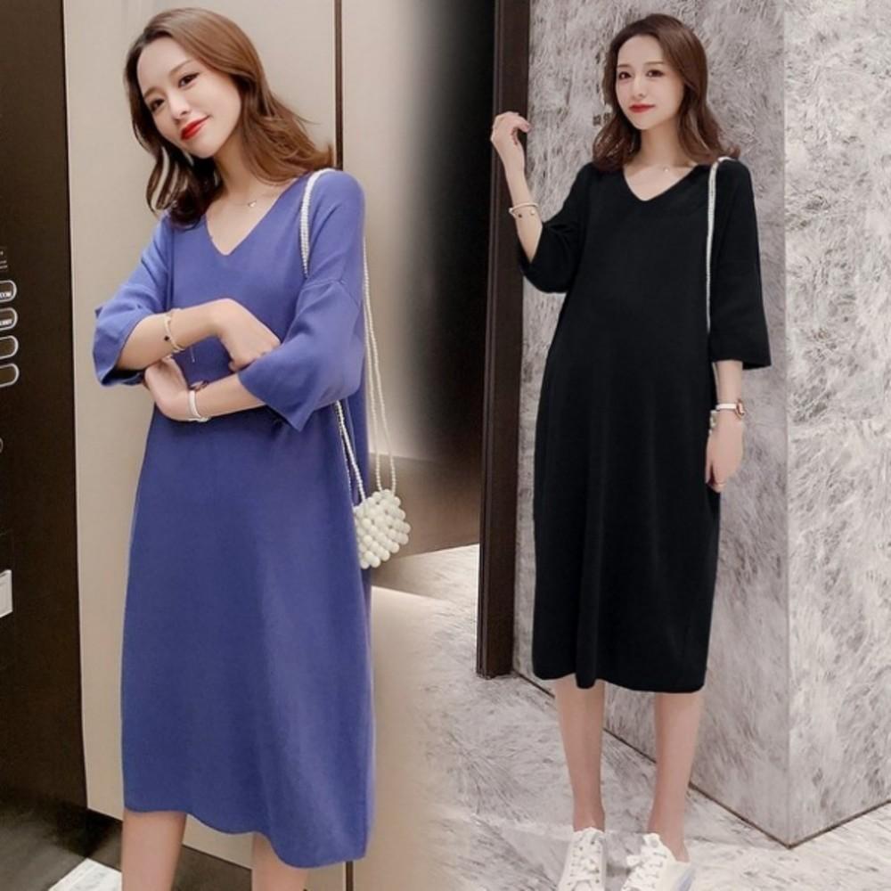 D8501-韓系純色中袖洋裝 【D8501】 落肩 V領 七分袖 冰絲 針織 親膚 洋裝 連肩袖 孕婦裝