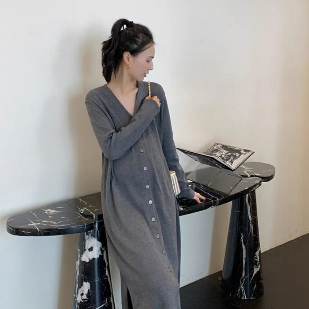 D9032-韓系 V領 毛衣裙【D9032】針織 可開扣 顯瘦 針織裙 開叉 長裙 針織毛衣